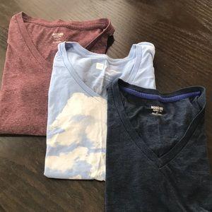 Three women's v-neck T-shirts, 2 Mossimo L, Gap M